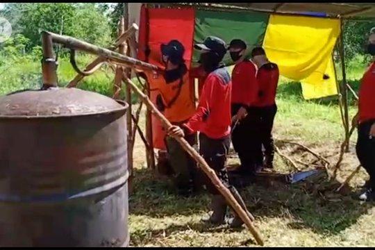 Manggala Agni Palangka Raya manfaatkan cuka kayu sebagai disinfektan