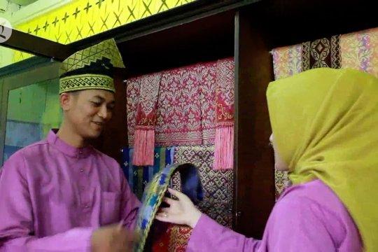 Melestarikan budaya Melayu Riau lewat tenun songket Siak