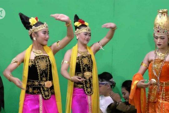 Menggeliatkan seni budaya tradisional dari kalangan pelajar