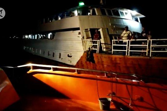 Mesin kapal mati, Basarnas Kendari evakuasi 76 penumpang