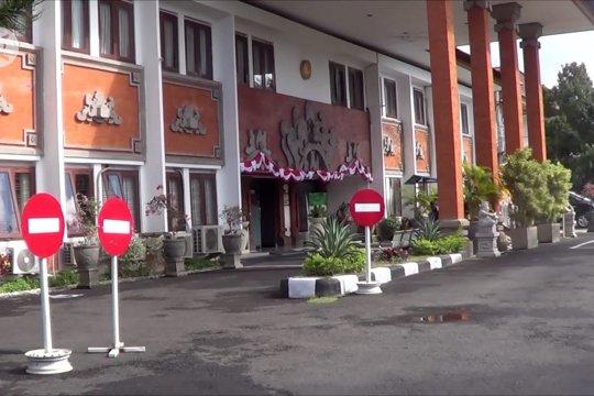 Pegawai positif COVID-19, persidangan di PN Denpasar ditunda