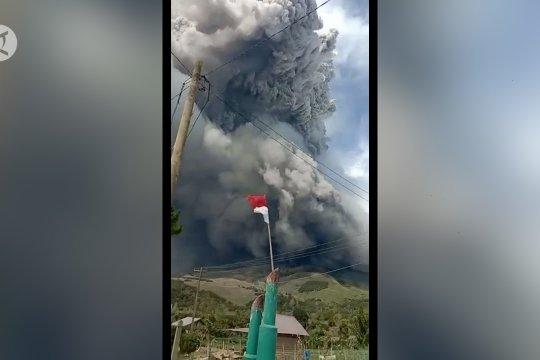 PVMBG imbau warga sekitar Gunung Sinabung tidak panik
