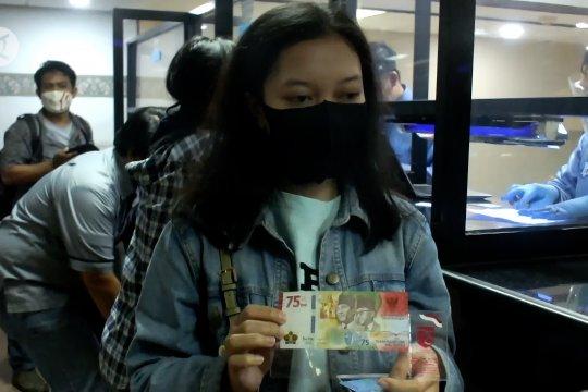 Warga antusias tukar uang pecahan baru Rp 75 Ribu untuk koleksi