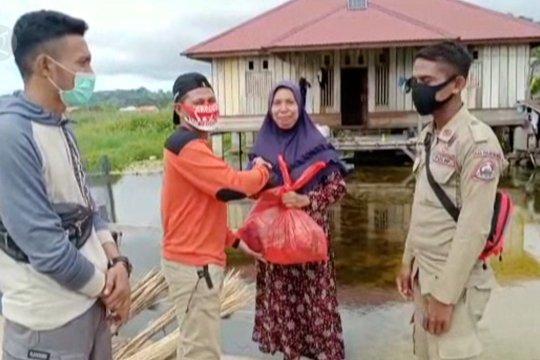 BPBD salurkan bantuan kepada warga terdampak banjir di Pulau Taliabu