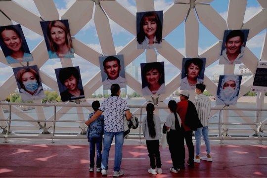 Pameran untuk hormati pekerja kesehatan digelar di Nur-Sultan, Kazakhstan