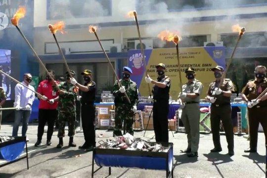 Bea cukai musnahkan barang hasil kejahatan senilai Rp 3 miliar