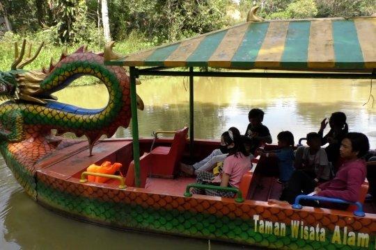 Menghabiskan libur ke  Taman Wisata Alam Punti Kayu