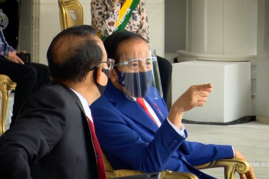 Presiden Joko Widodo saksikan geladi upacara HUT ke-75 RI