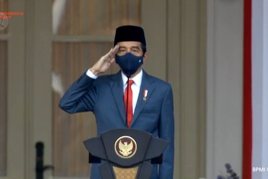 Presiden Jokowi pimpin upacara penurunan bendera Merah Putih