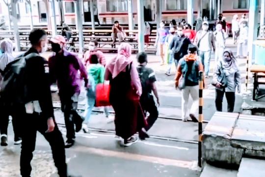 Sri Mulyani: pekerja bergaji di bawah Rp5 juta akan dapat bansos