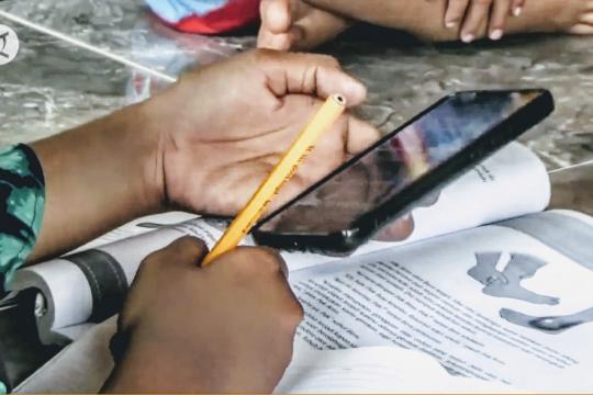 Desa yang bersedekah kuota internet untuk pelajar