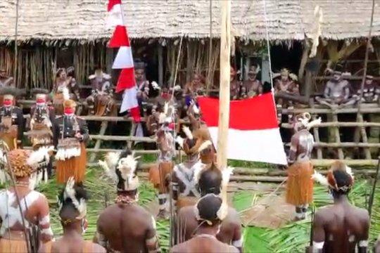 Menyaksikan upacara HUT RI unik di Kabupaten Asmat