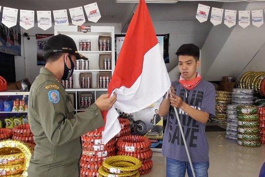 Pemkot Pontianak gelar penertiban pemasangan Bendera Merah Putih