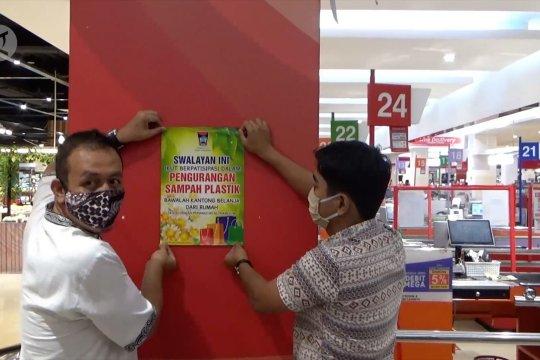 Padang menjelang diet kantong plastik