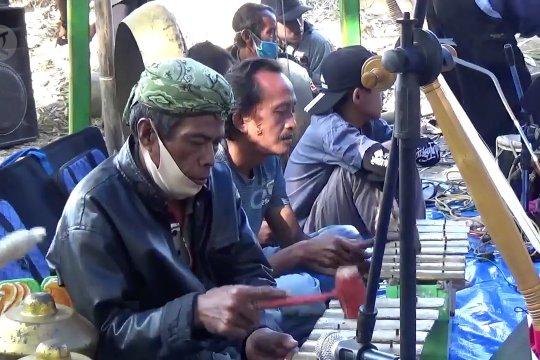 Tradisi Babancakanwarga Desa Benda Kuningan