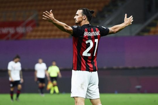 Zlatan Ibrahimovic dirayu kembali bela timnas Swedia