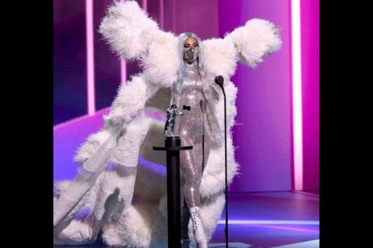Lady Gaga kenakan masker buatan Indonesia di VMA 2020