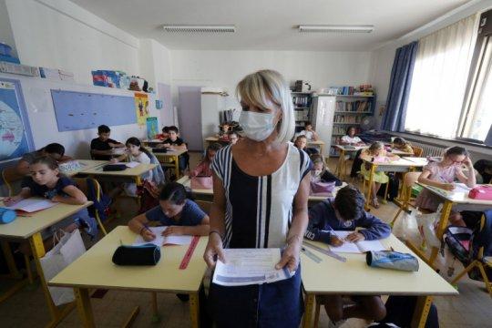 Murid di Prancis boleh tak sekolah untuk isolasi menjelang Natal