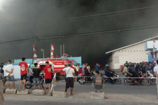 Pabrik Polytron di Demak dilanda kebakaran