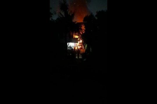 Bakar sampah picu kebakaran di Tanjung Barat