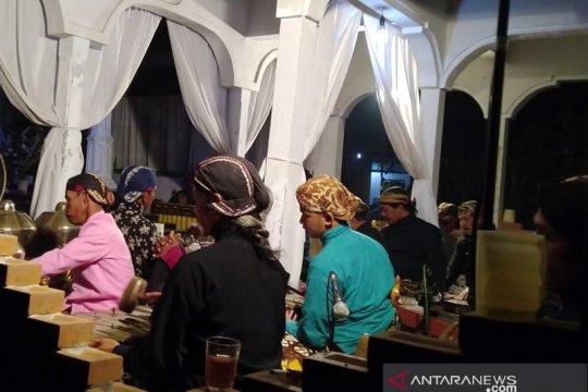 "Tradisi ""Suran Tutup Ngisor"" lereng Merapi untuk tolak bala pandemi"