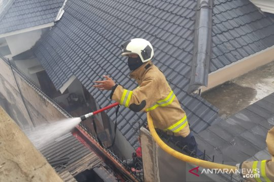 Delapan unit rumah di Kelapa Dua Wetan Jakarta Timur terbakar
