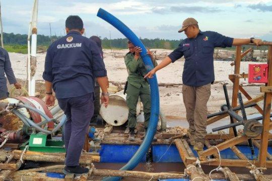KLHK-Tim Gabungan hentikan aktivitas tambang emas Ilegal di Mandor