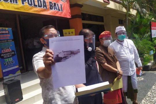 Polda Bali temukan dua senjata ilegal saat geledah rumah Tri Nugraha