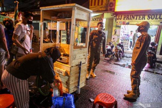 Penerapan jam operasional baru Pasar Lama Tangerang