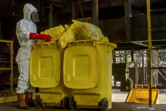 Penanganan limbah medis jelang setahun COVID-19 di Indonesia