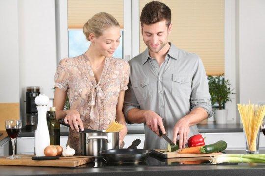 Sisi positif memasak di masa adaptasi kebiasaan baru menurut psikolog