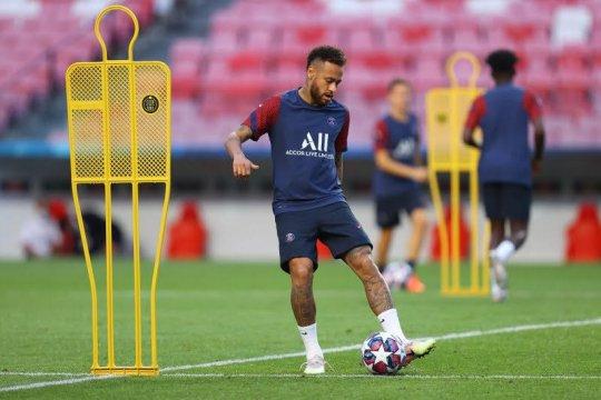 PSG bela penuh Neymar yang mengeluh jadi sasaran rasis