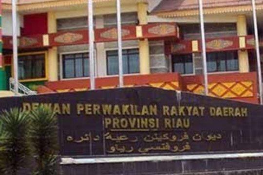 Dua Anggota DPRD Riau positif COVID-19, anggota lainnya dites usap