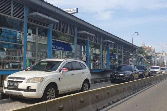 Rute TransJakarta Harmoni-Grogol dialihkan imbas bangunan ambruk