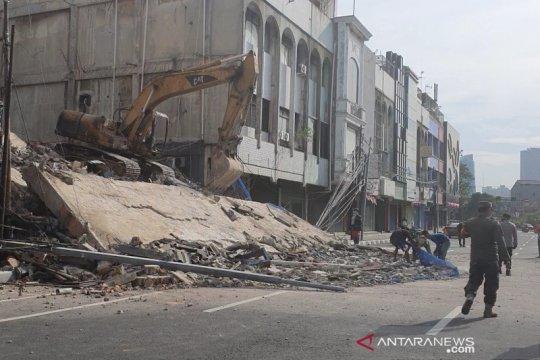 Pembongkaran gedung di Kyai Caringin tidak berizin