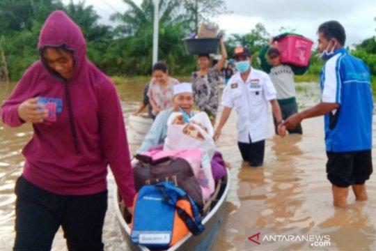 Sungai Satui meluap, tiga desa di Tanah Bumbu-Kalsel dilanda banjir