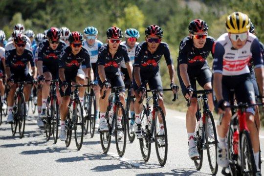 Pebalap sepeda Luke Rowe positif terjangkit COVID-19