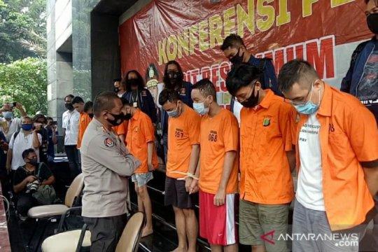 Polda Metro Jaya gelar rekonstruksi kasus pesta asusila homo