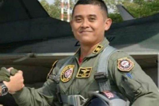 Jenazah pilot pesawat Golden Eagle tergelincir dimakamkan di Madiun