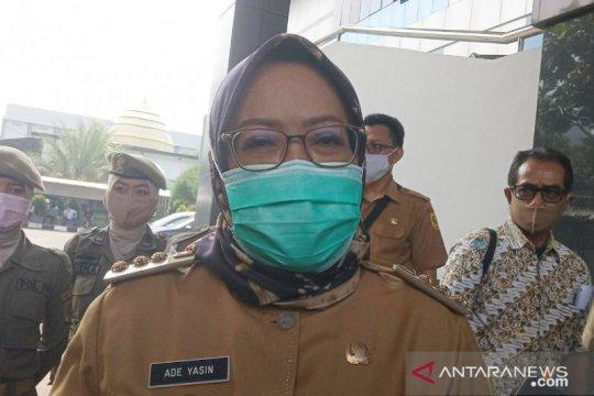 Bupati Bogor: Sanksi masuk ambulans agar warga jera tak berkerumun