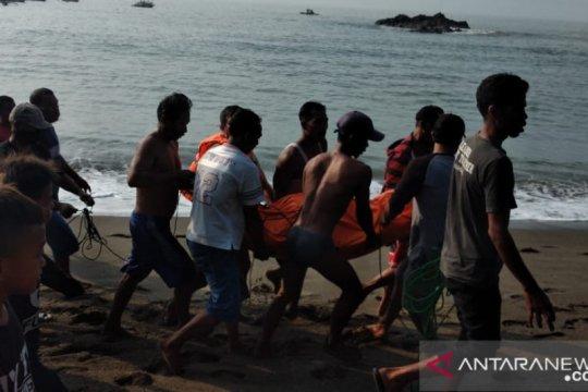 Nelayan Sukabumi yang hilang diterjang ombak ditemukan meninggal