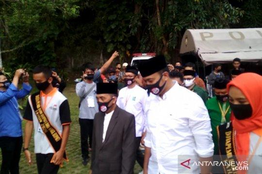 Abu Bakar-Sirojudin menjadi yang pertama daftar ke KPU Sukabumi