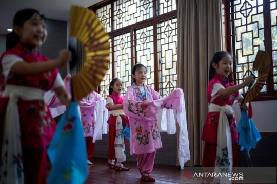 Vaksinasi massal di Beijing akhir September, murid sekolah gratis