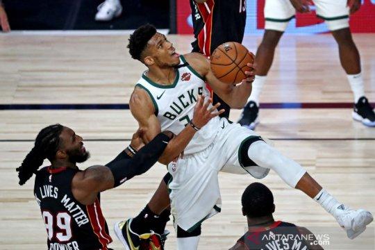 Antetokounmpo berdarah, Towns menangis dalam laga pramusim NBA