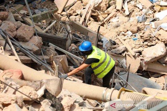 Upaya mencari korban selamat di reruntuhan bangunan Lebanon