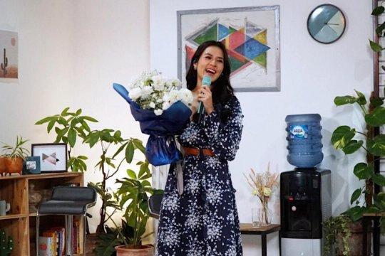 """""""Me time"""" ala Raisa, manggung hingga nonton drama Korea"""