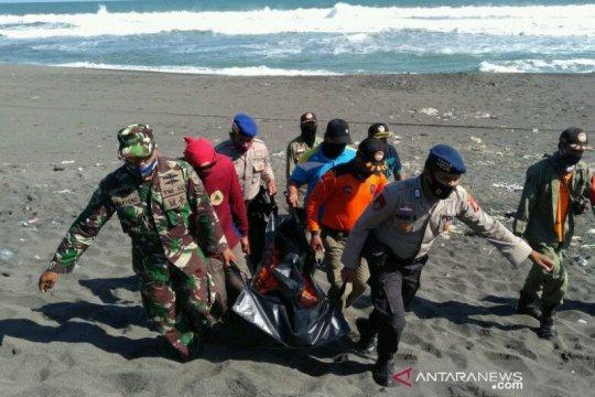 Wisatawan tenggelam di Pantai Parangtritis Bantul ditemukan meninggal