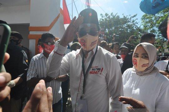 Pasangan Hidayat-Barto mendaftar di KPU Sulteng