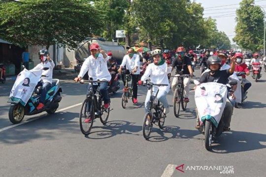 Petahana Mojokerto daftar ke KPU naik sepeda