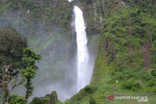 Wisata air terjun jadi pilihan wisatawan untuk liburan di Cianjur